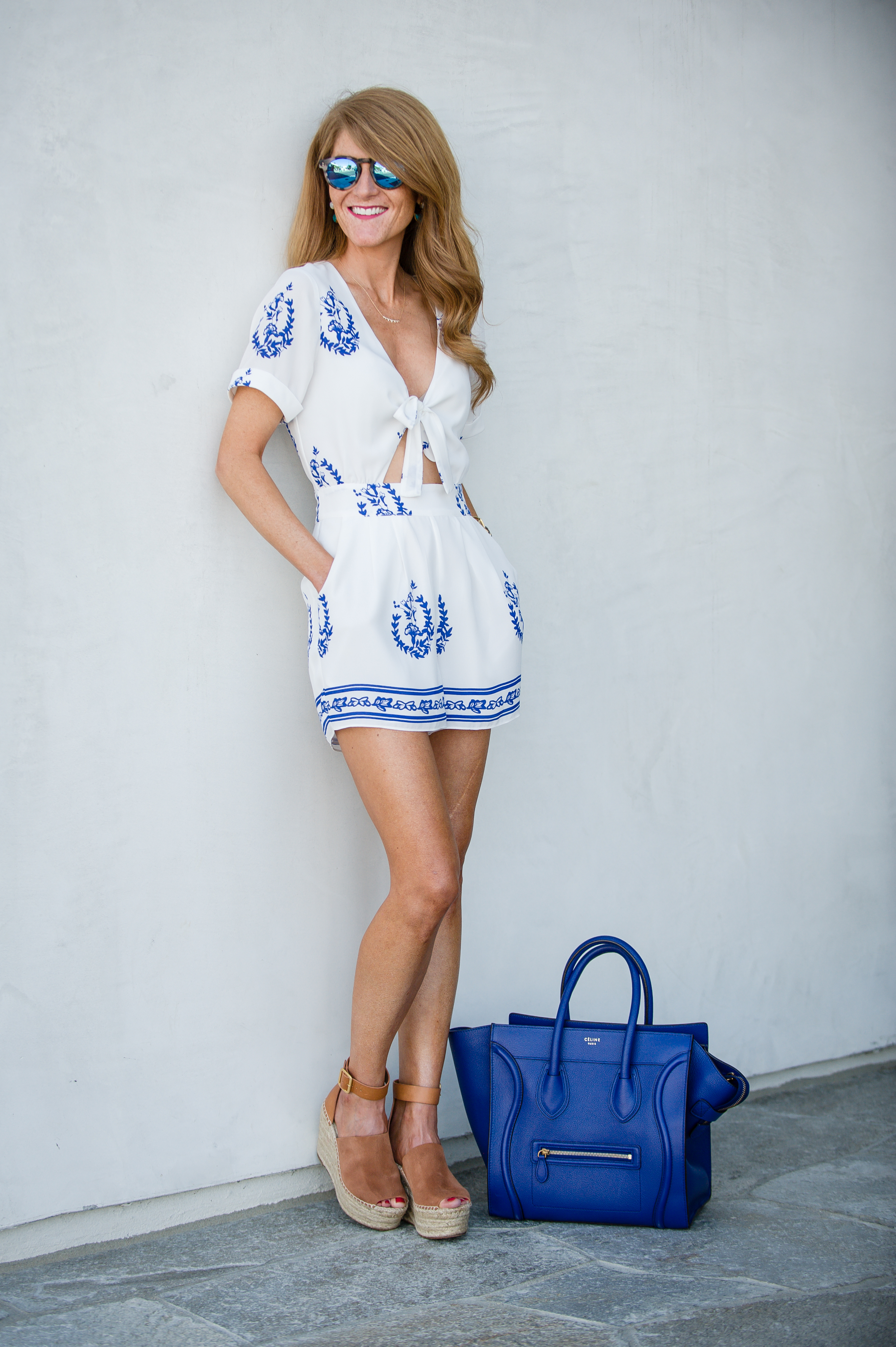 BLUE + WHITE OUTFIT!
